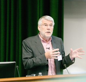 Professor Barry Everitt during his public lecture on addiction, as part of the Cambridge Neuroscience Symposium.